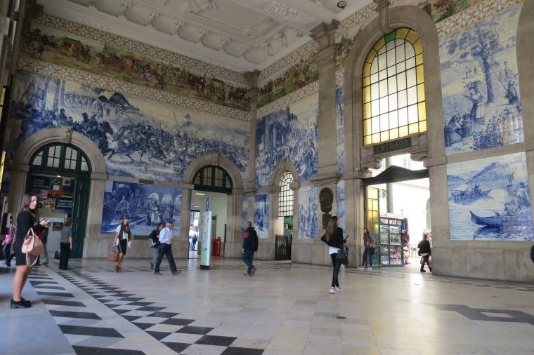 Halle de la gare de Porto