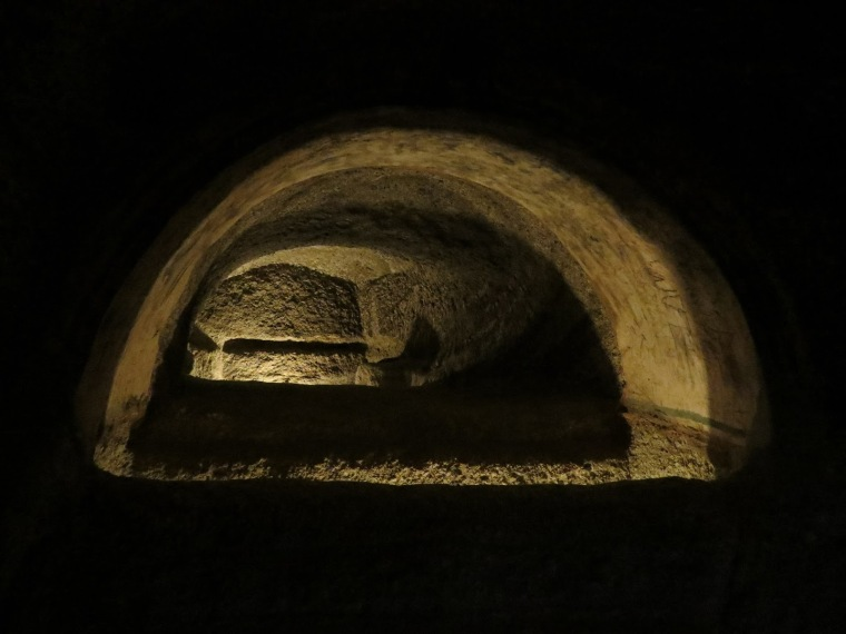 Catacombes Tripiti Milos