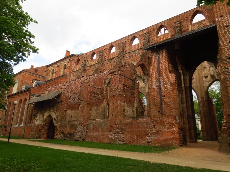 ruines cathédrale gotique Tartu estonie