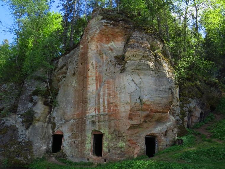 Caves troglodytes Ligatne Gauja Lettonie