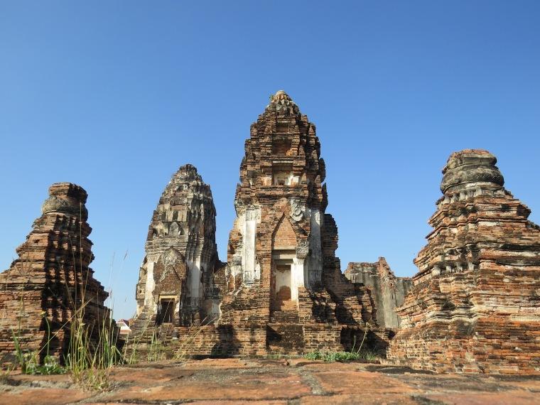 Wat Sri Ratana Mahathat Lopburi