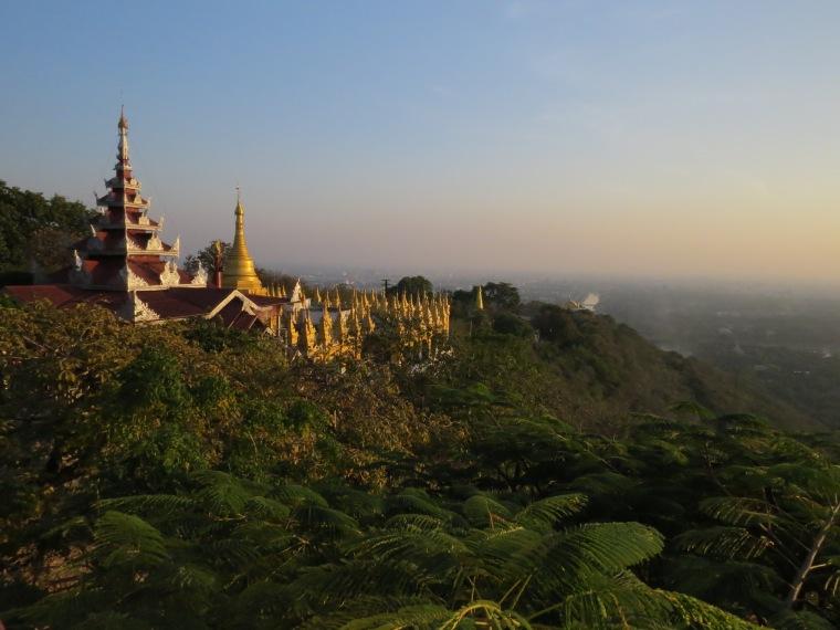 Colline de Mandalay spot Sunset