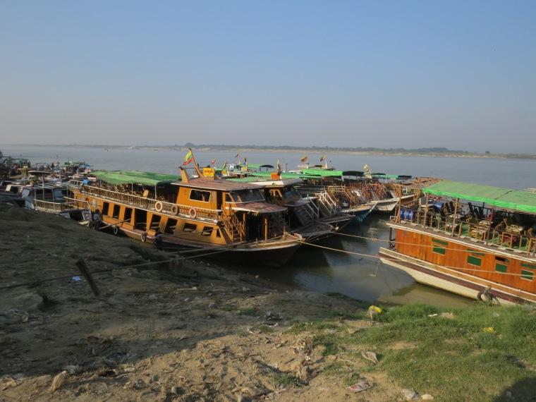 Jetée touristique Mandalay mingun