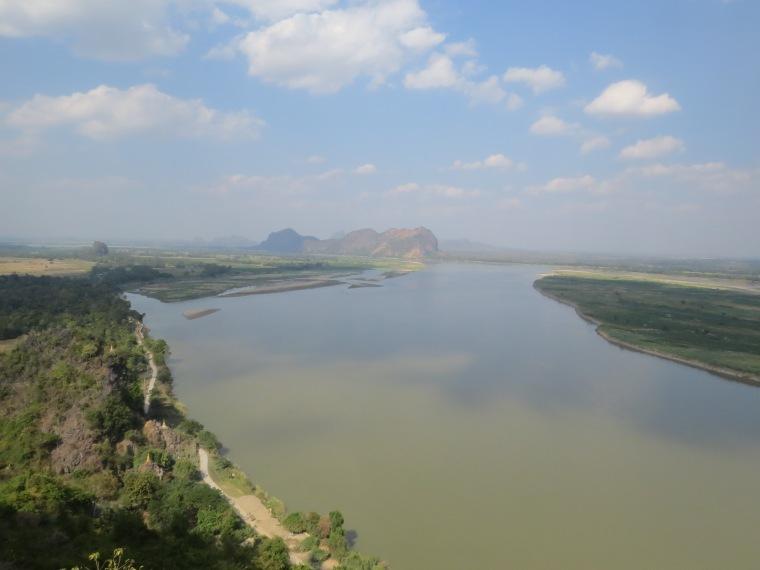 Vue depuis mont Hpan pu Hpa An