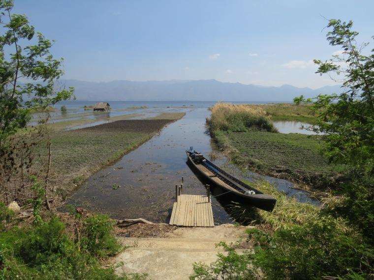 village de Kaung Daing vue sur lac inlé