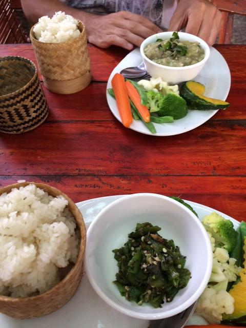 Zuela Guesthouse Restaurant spécialités laotiennes