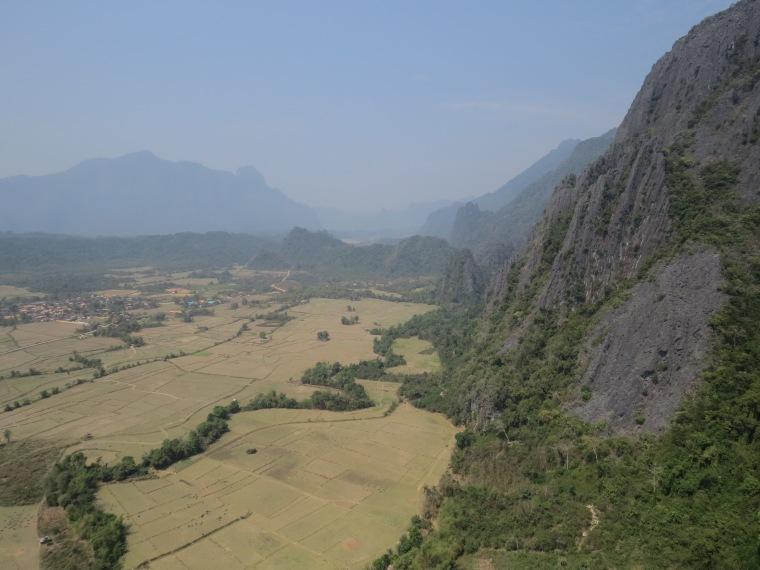 Pha Ngeun Viewpoint Vang vieng Laos