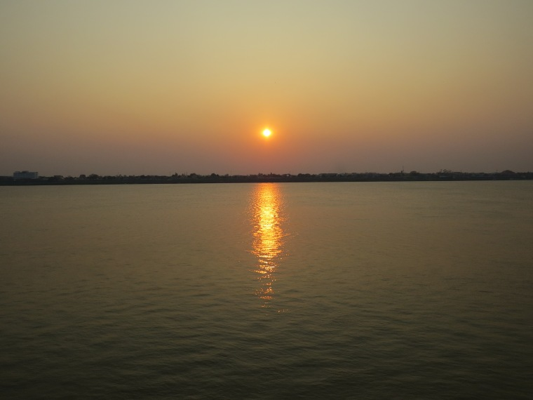 coucher de soleil Thakhek