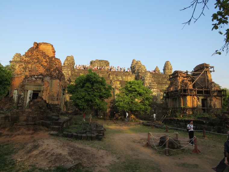 Phom Bakheng : Vue sur Angkor Wat sunset
