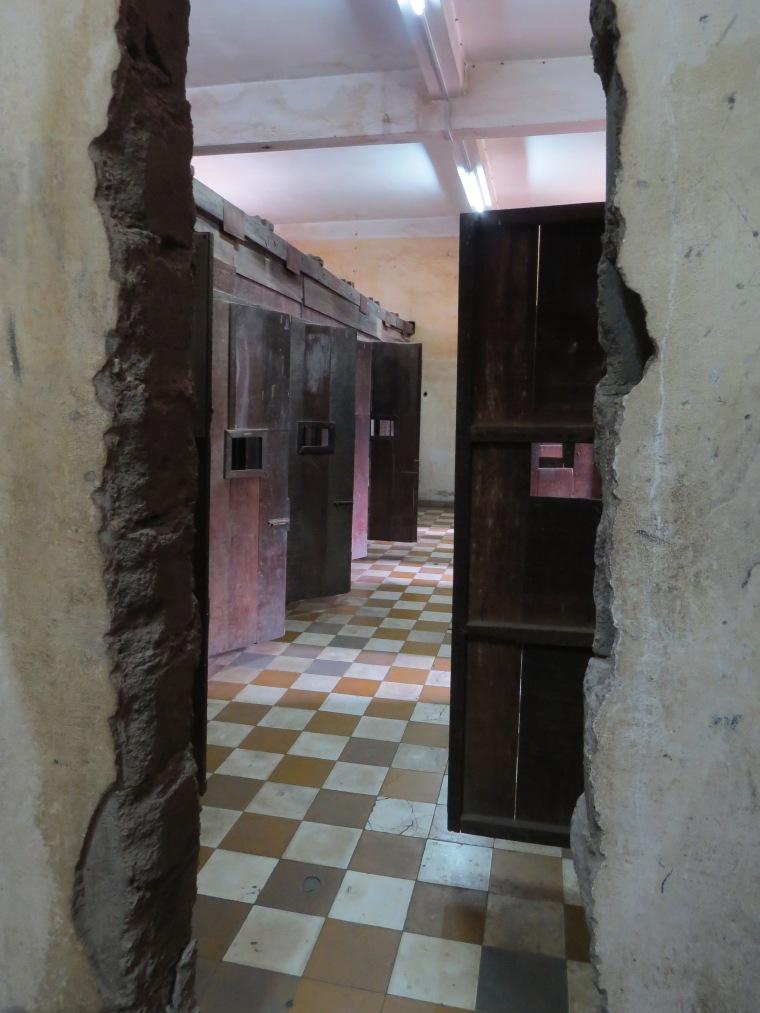 Exposition prison S21