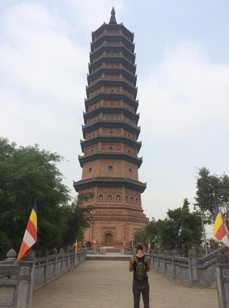 Bai Dinh Pagoda Tam coc