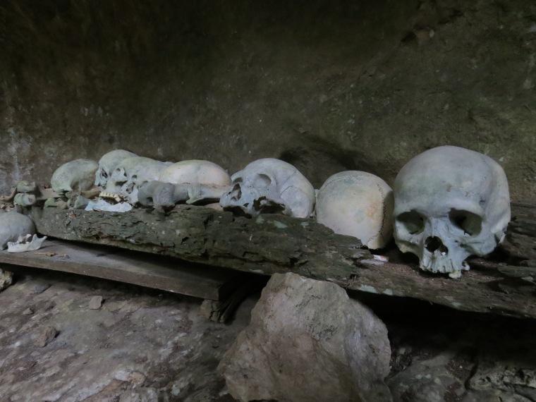 Stone graves Rantepao